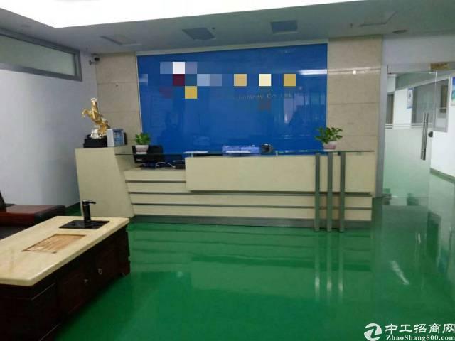 福永新和沿江高速附近楼上900平方带装修免转让费