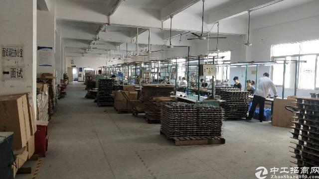 福永和平楼上装修厂房1300平-图2