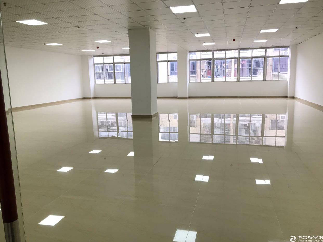 福永镇沿江高速出口带装修200平厂房招租