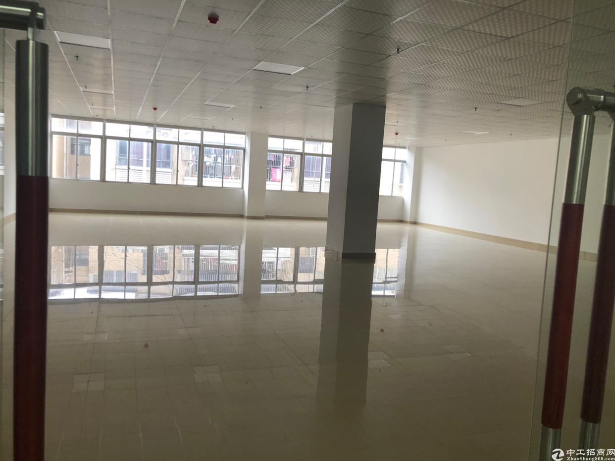 福永装修精美的写字楼200平米