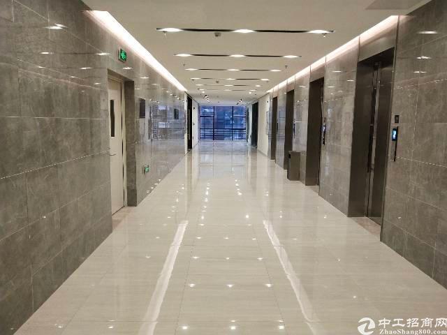 深圳龙华龙胜地铁口300平写字楼出租