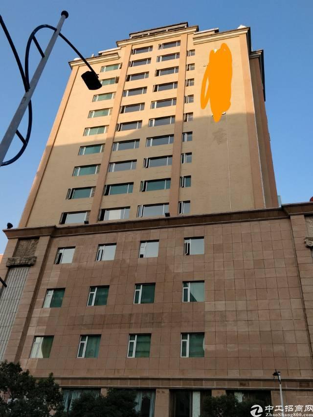 东莞厚街3200㎡豪华写字楼出租,免费停车场交通便利