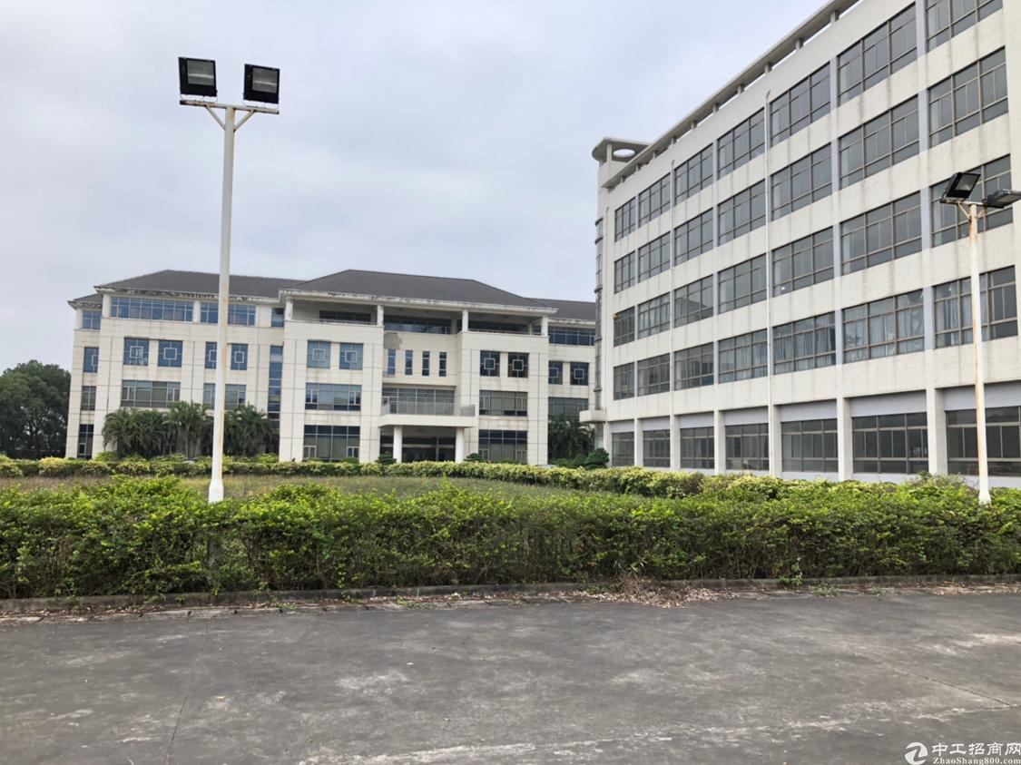 观澜梅观高速出口新出原房东只做仓库厂房6000平米,实量面积