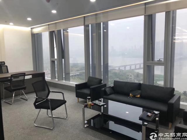 武昌北外滩江景房地铁口精装修采光好房型正