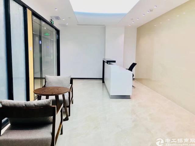 深圳龙华龙胜地铁口豪华写字楼出租