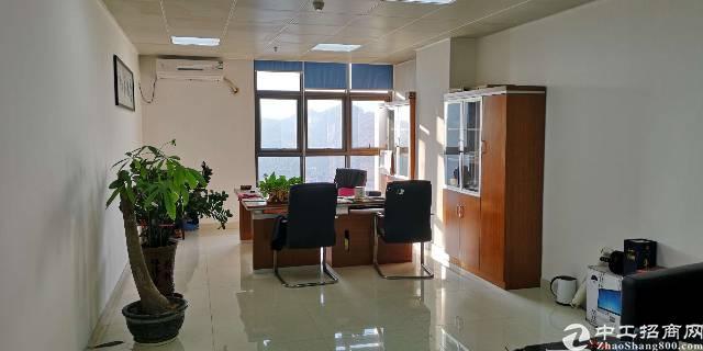 整层带豪华精装修办公室1500㎡超高使用率75%