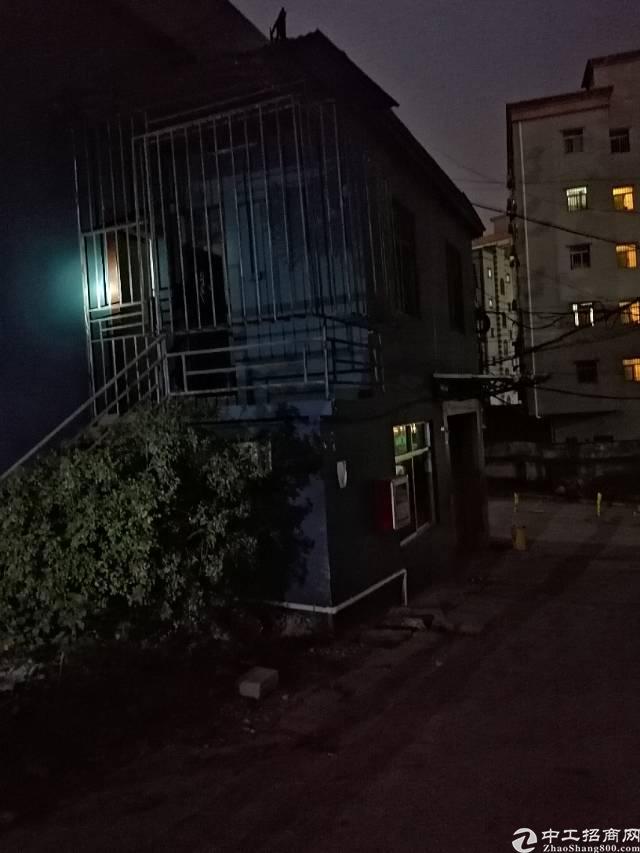 西乡九围一路一楼360平米带装修办公室厂房出租