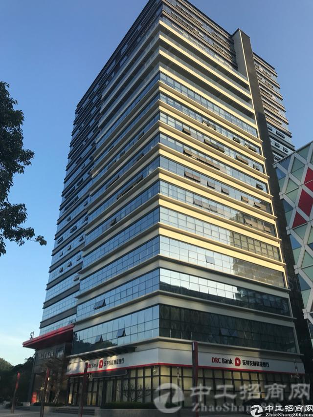 东莞南城3200㎡豪华写字楼出租,免费停车场交通便利
