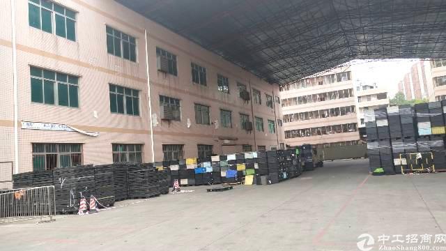 平湖凤凰工业区红本独门独院厂房出租,大小分租200平起租