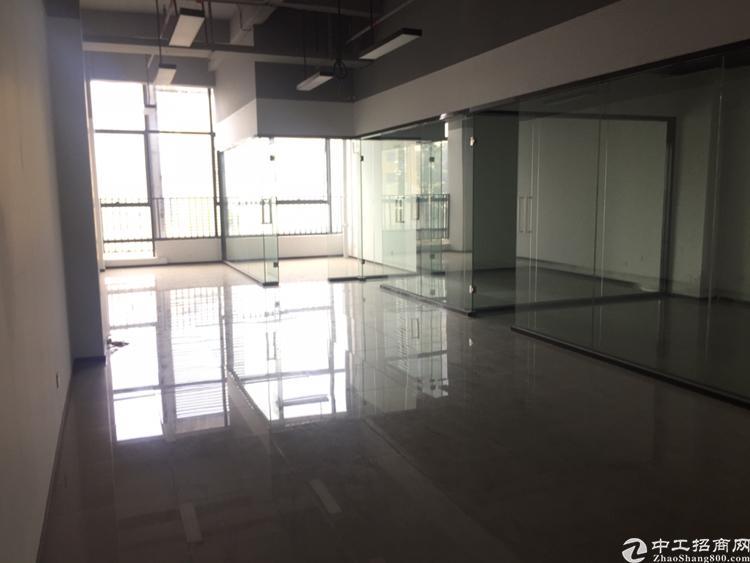 龙华清湖地铁站旁边新出150平精装修办公室招租