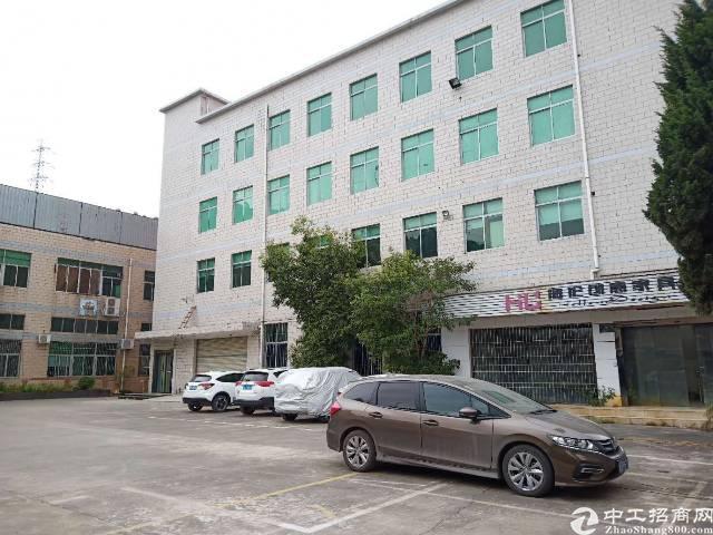 坪山工业区楼上820平租16