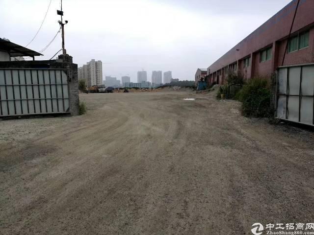 龙岗坪地北通道边边100米处空地6000平米出租,已经硬化