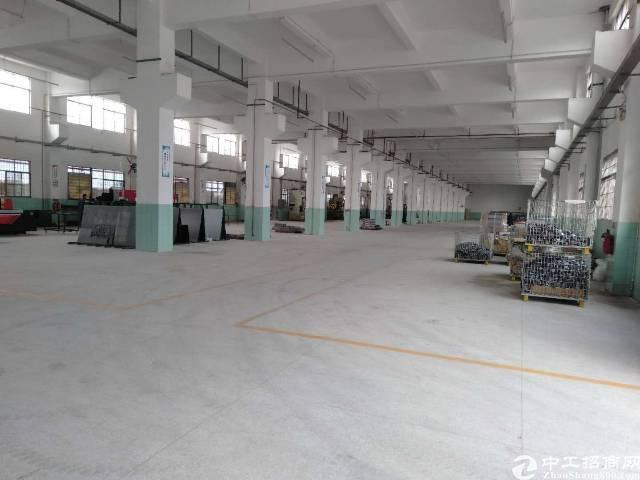 清溪一楼标准厂房7米带牛角位!面积2500㎡实量!