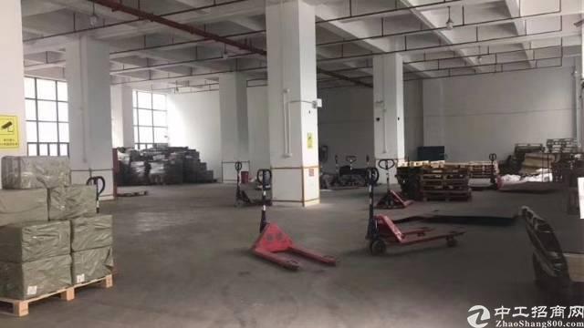 福永一楼1600平米仓库出租前后卸货台