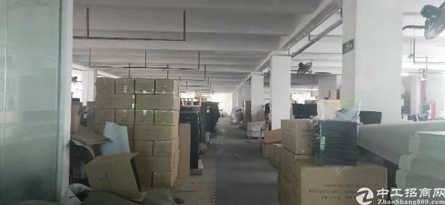 龙岗平湖华南城四楼五楼各850平方厂房出租