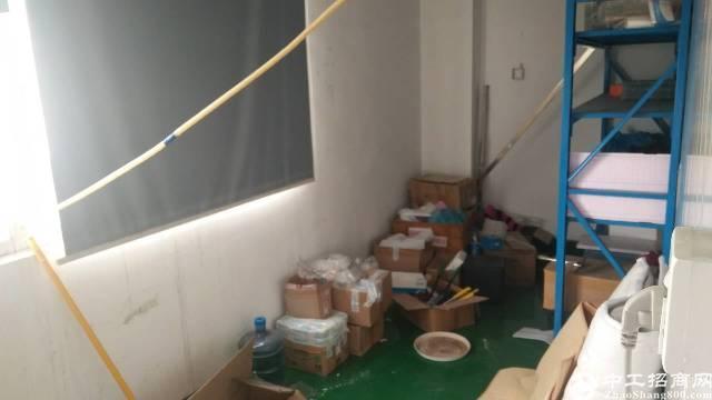 福永凤凰楼上550平方无尘车间带装修租26