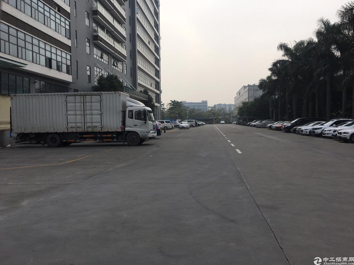福永镇沿江高速口一楼物流仓1100平方出租