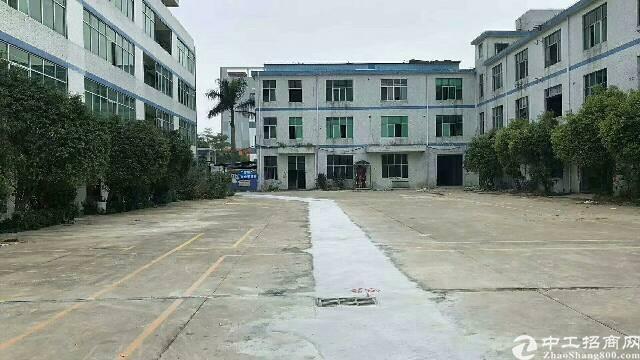 平湖富民工业区新出一楼标准厂房400平方带办公室