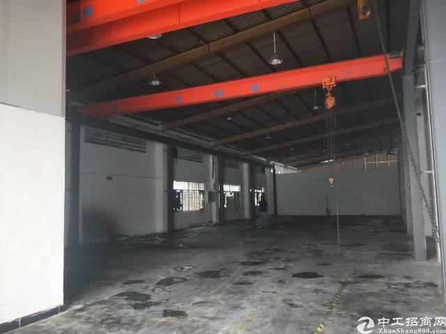 清溪谢坑靠塘厦高速出口砖墙到顶钢构单一层厂房650平方!
