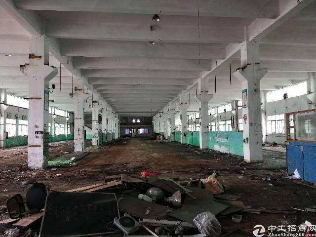 深圳沙井后亭地铁站附近新出一楼带牛角4600平方厂房出租
