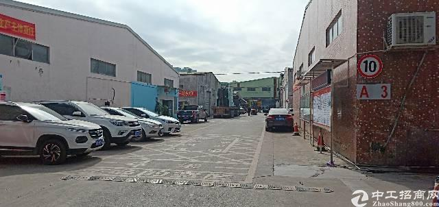龙华新区龙华汽车站旁边单一层厂房1500平高八米,低价出租