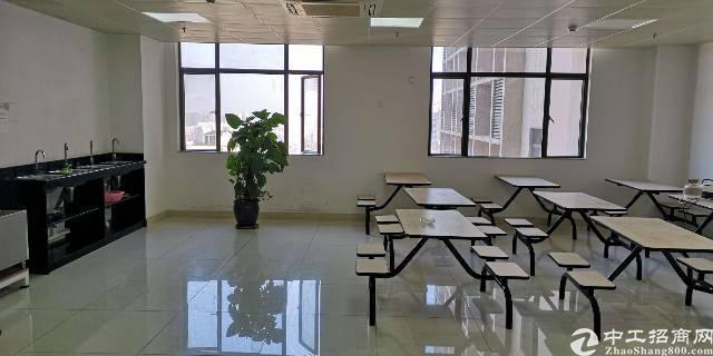 龙胜地铁口开发商直租精装修办公室整层1500㎡超高使用率
