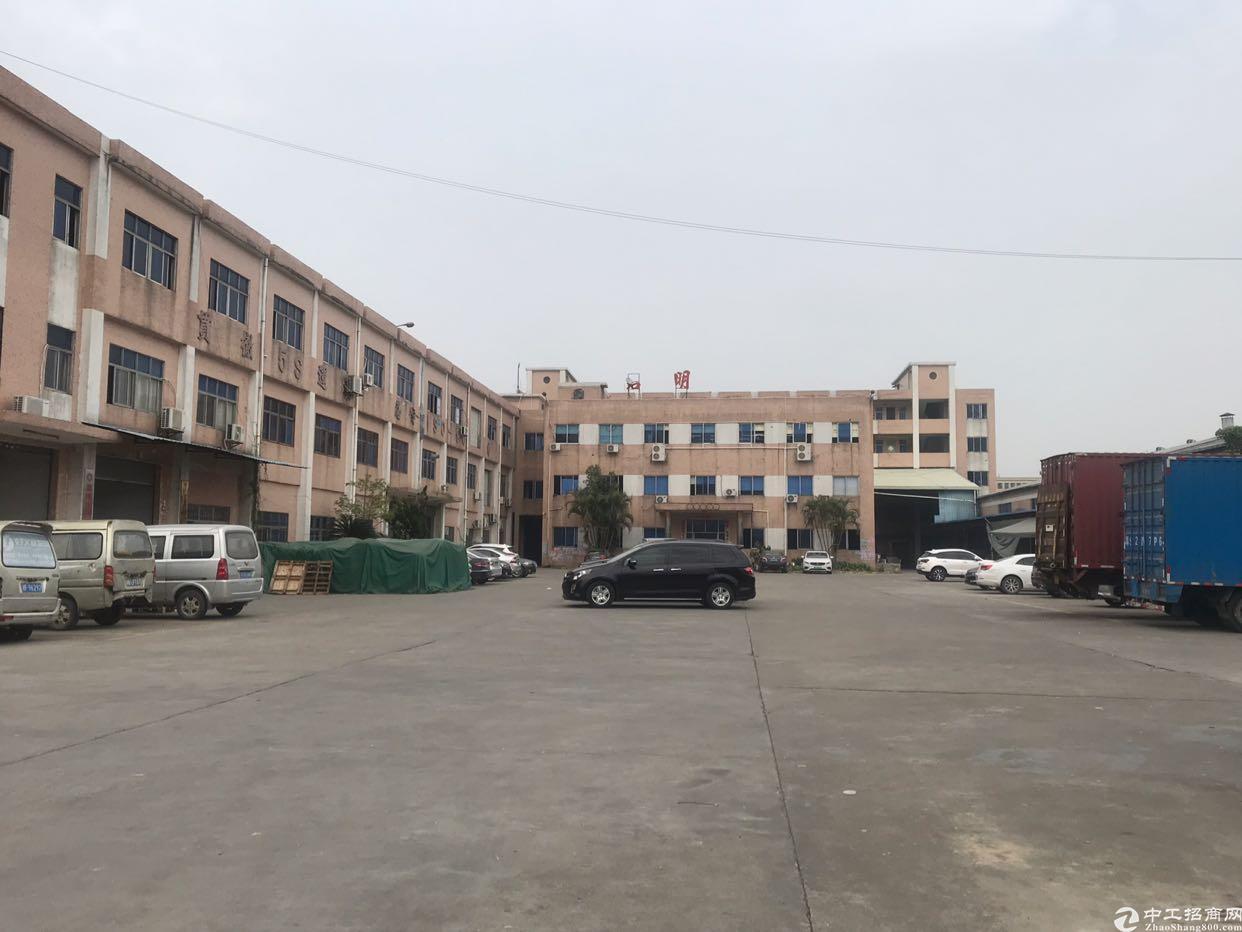 仓库客户的首选,标准一楼1400可以分租空地超大