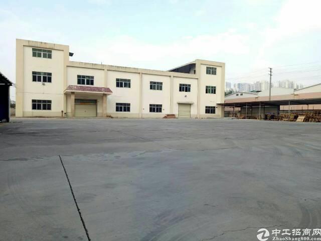 松岗地铁口沙浦围工业区独门独院5500平米厂房出租