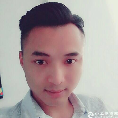 厂房经纪人周辉