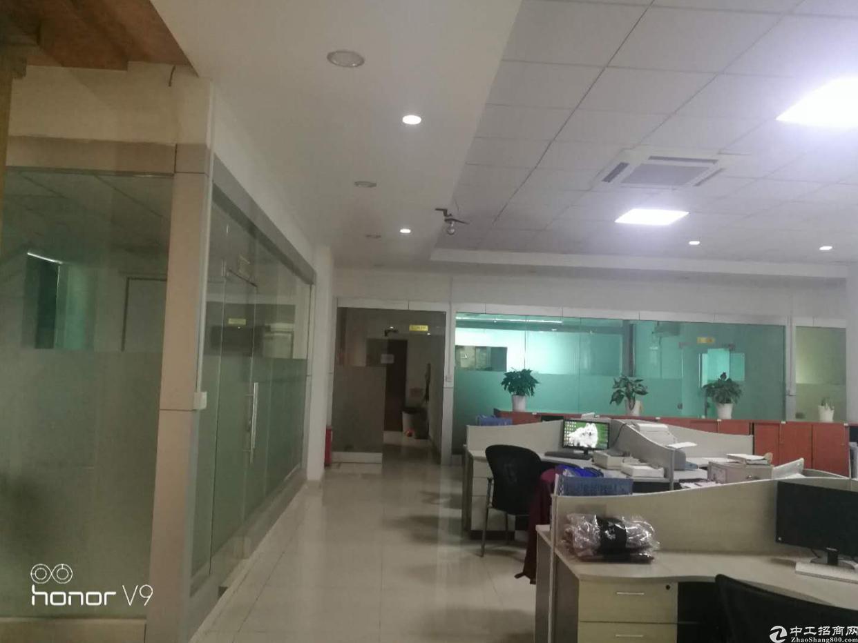 福永街道白石夏新出楼上1200平方带精装修厂房出租
