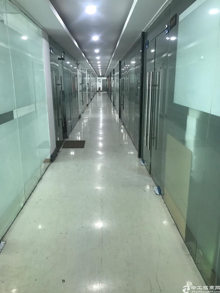横岗街道新出六约地铁站附近五百米楼上带装修500平