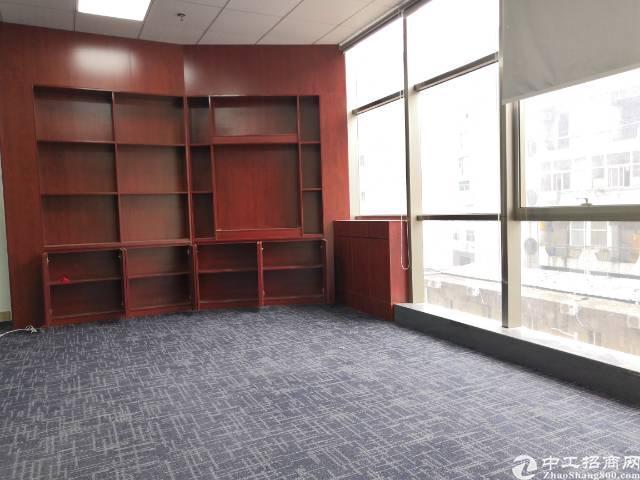 西乡地铁站明月花都350平写字楼物业直租