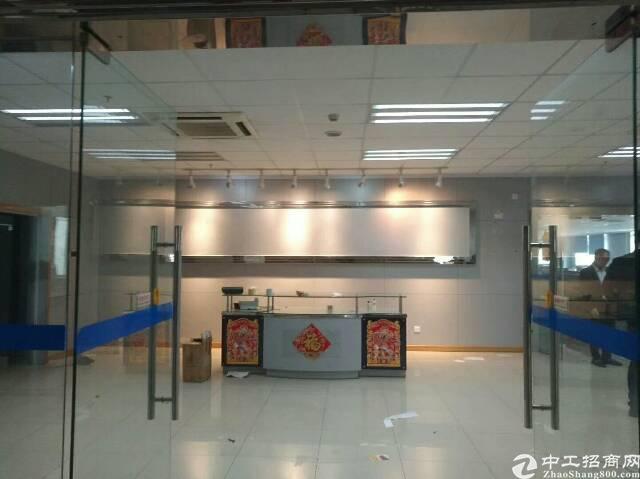 龙岗中心城南联地铁站500米办公楼510平出租