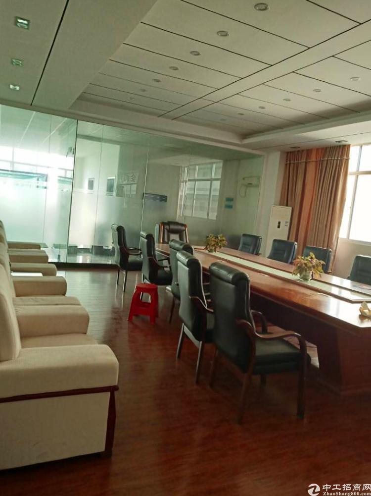坪山新区工业区300平标准厂房招租带装修