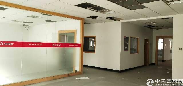 宝安西乡新出楼上800平方厂房