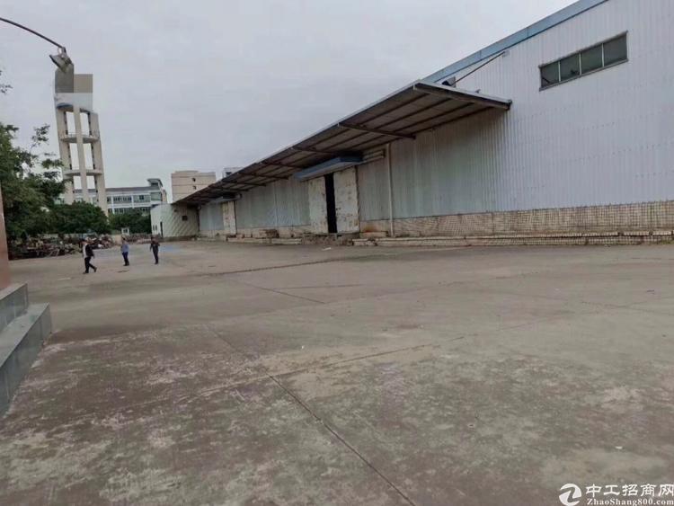 凤岗镇靠平湖3500平方米物流仓储25元出租