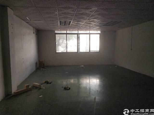 宝安大道地铁口旁320方小面积带装修厂房招租