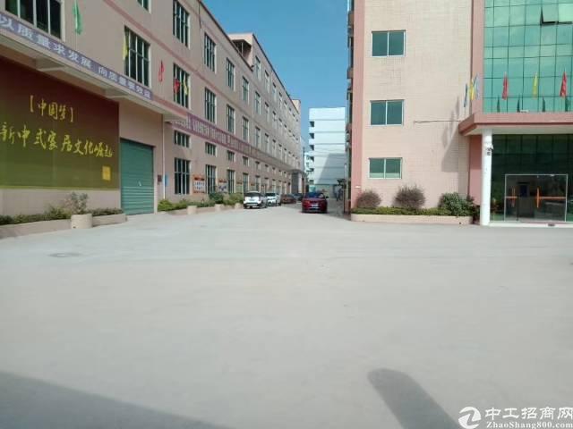 布吉平吉大道一楼厂房出租1400平米, 有地坪漆,现成水电