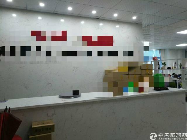 福永宝安大道地铁站边三楼680平方带装修免转让费