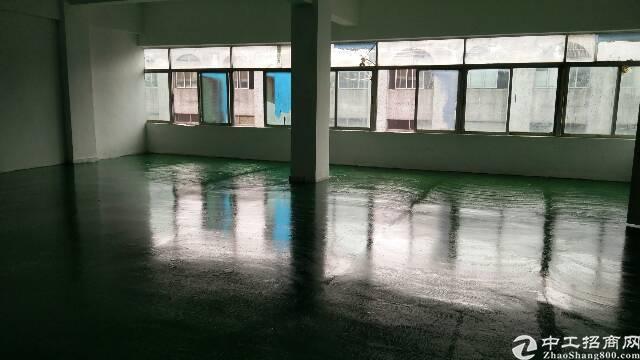福永白石厦楼上新出1000平带装修厂房,面积大小分租