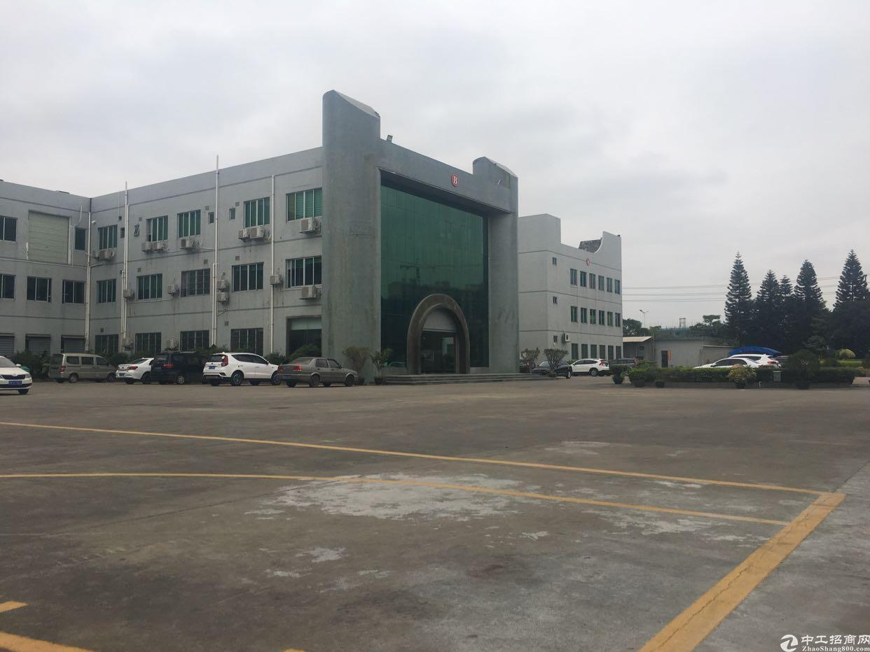 大型产业园内分租一楼二楼,面积可按需