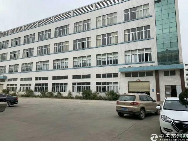 平湖凤凰大道附近新出独门独一楼7米层高带牛角厂房28800平