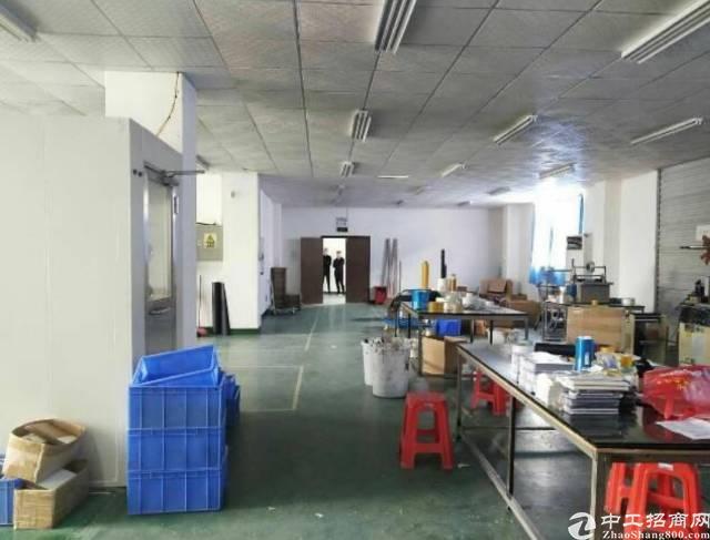 龙岗南联地铁站附近新出楼上650平精装修标准厂房有电梯