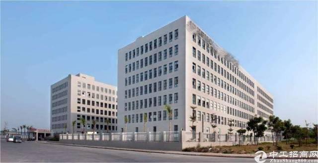 光明新区原房东楼上整层无尘车间2400平方招租