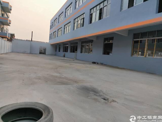 水乡大道边上全新园区厂房总面积近2万平方米,厂房共4栋,