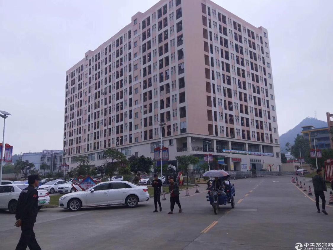 沙井洪田工业区楼上整层2500平,大小可分租