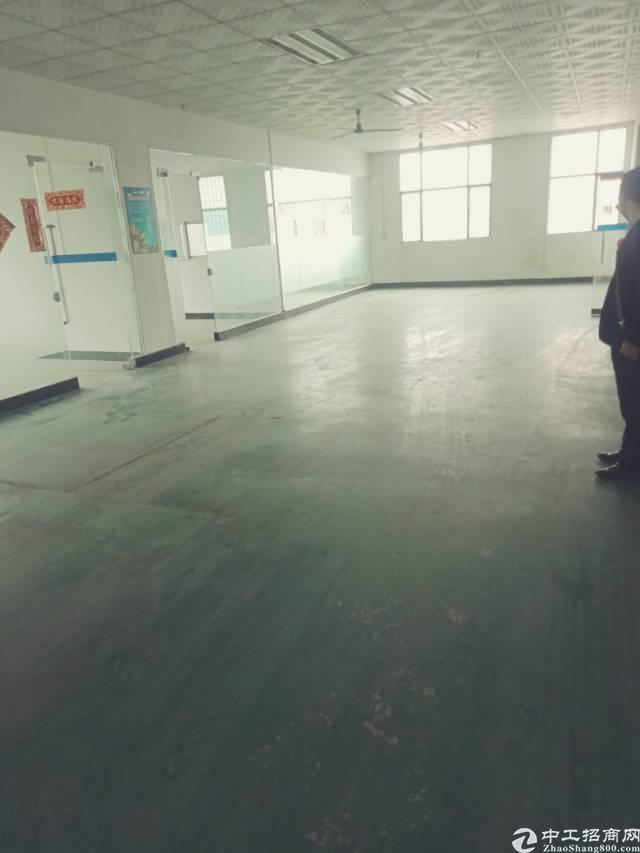 长安宵边新出楼上整层900平带装修办公室标准厂房