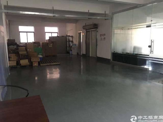 宝安西乡九围新出楼上厂房1300平方