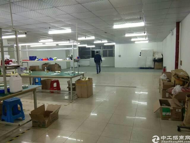 福永107边上带装修厂房600平出租 采光特别好也通风,