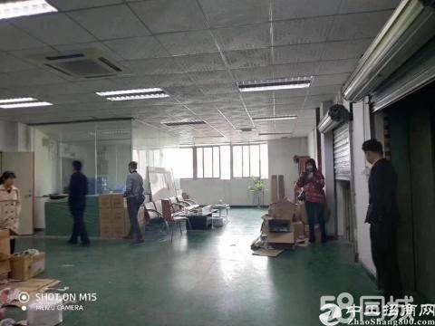 坪山六联新出2楼带装修950平招租